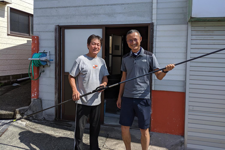 神津島手銛工房NYKメタルの梅田氏とツーショット