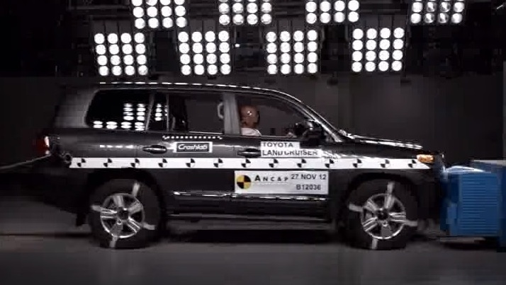 ランドクルーザー200はどれだけ安全な車なの?