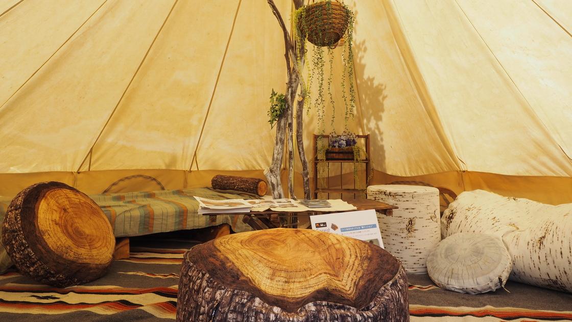ゴージャスで快適、グランピング向けのテント