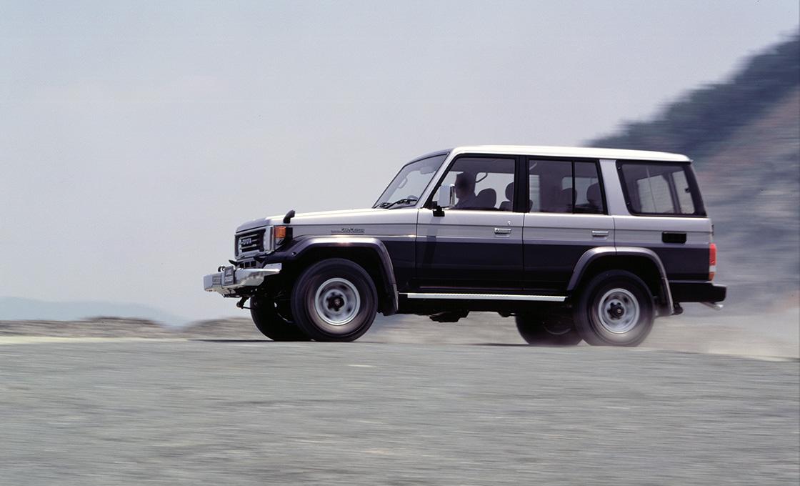 実際の車両で比較するランドクルーザー70バンのカスタム