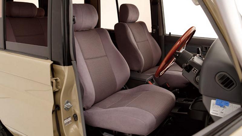 【車好きがこだわる】ランドクルーザープラド70用 デザイナーズシートカバー