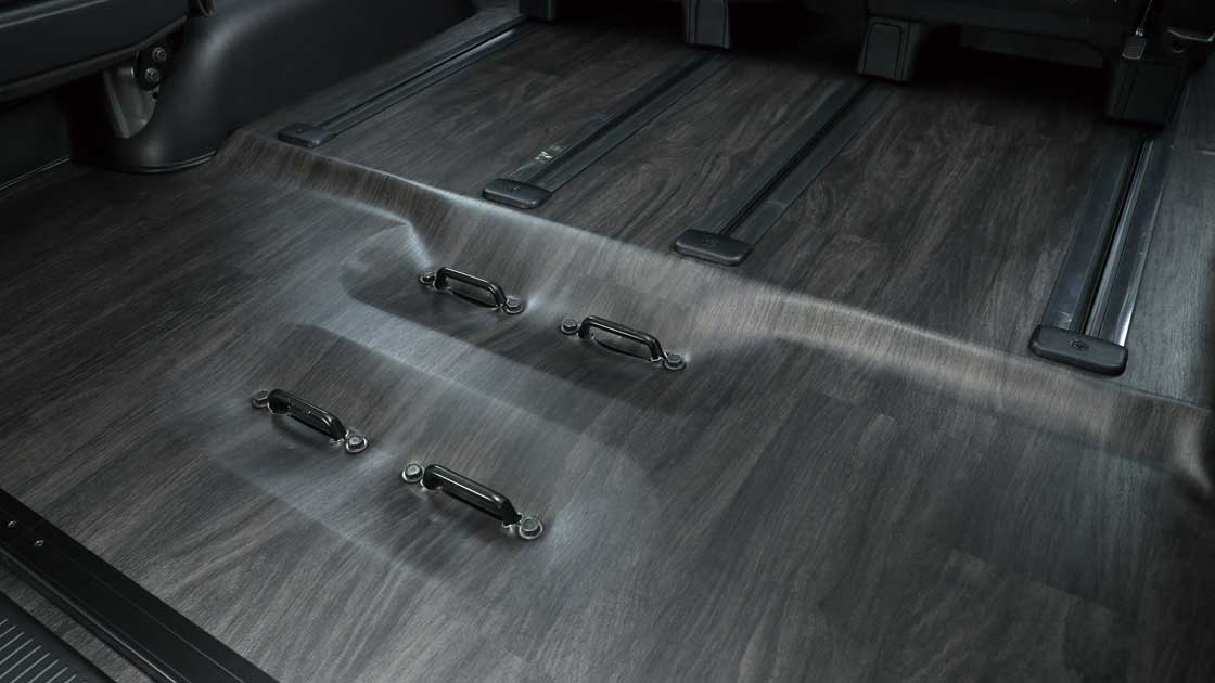 【車好きがこだわる】トヨタ ハイエース ファインテックツアラー用 オリジナルフローリング